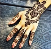 Henna! Who doesn't love a cool visual display of one's personality!